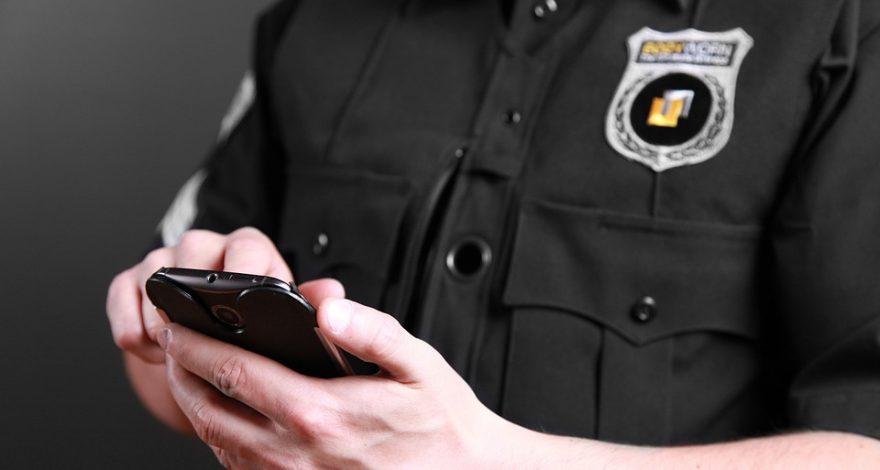 police officer using mobile translation app