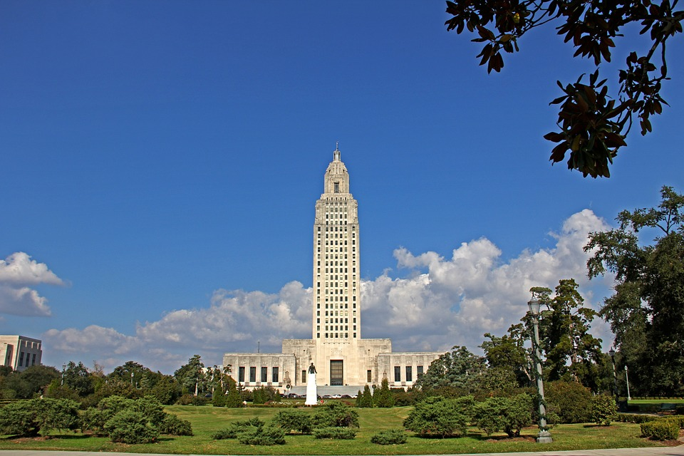 Louisiana state capitol building - court interpreting guidelines