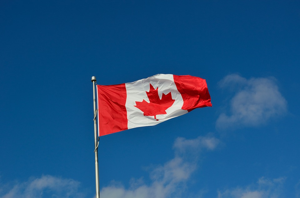 Canadian flag - legal facts and laws