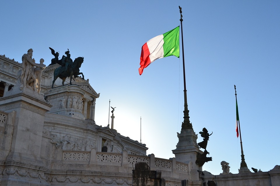 Italian flag - Italy legal facts and laws