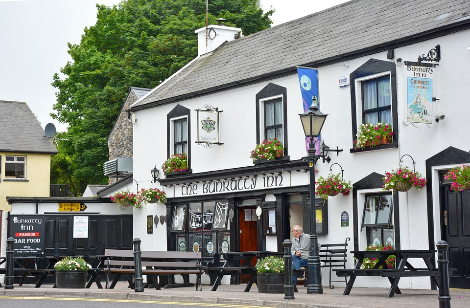 Irish pub - legal facts and laws